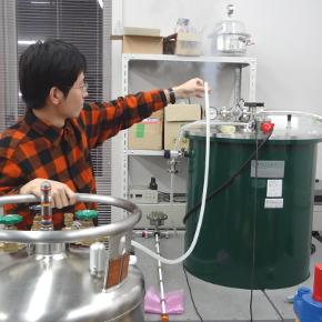 デバイス物性チーム実験室風景